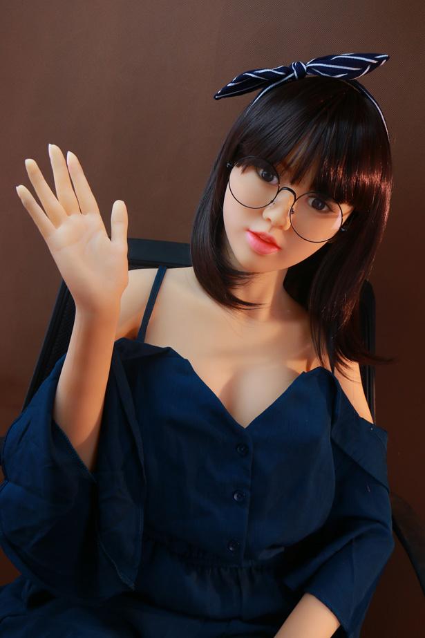 Japanische online TPE Sexpuppe Fabia.