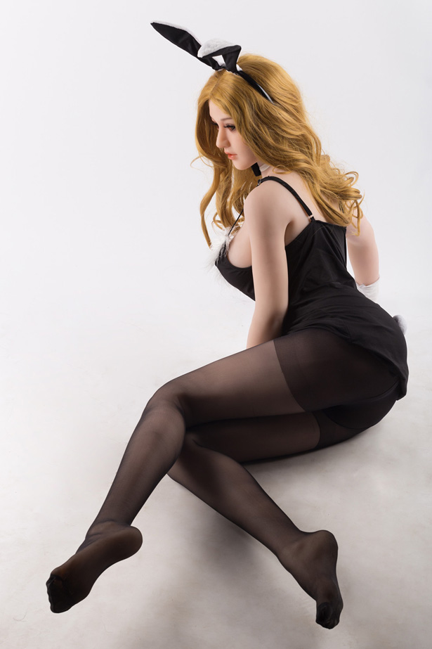 Blonde Silikon Sexpuppe Ines