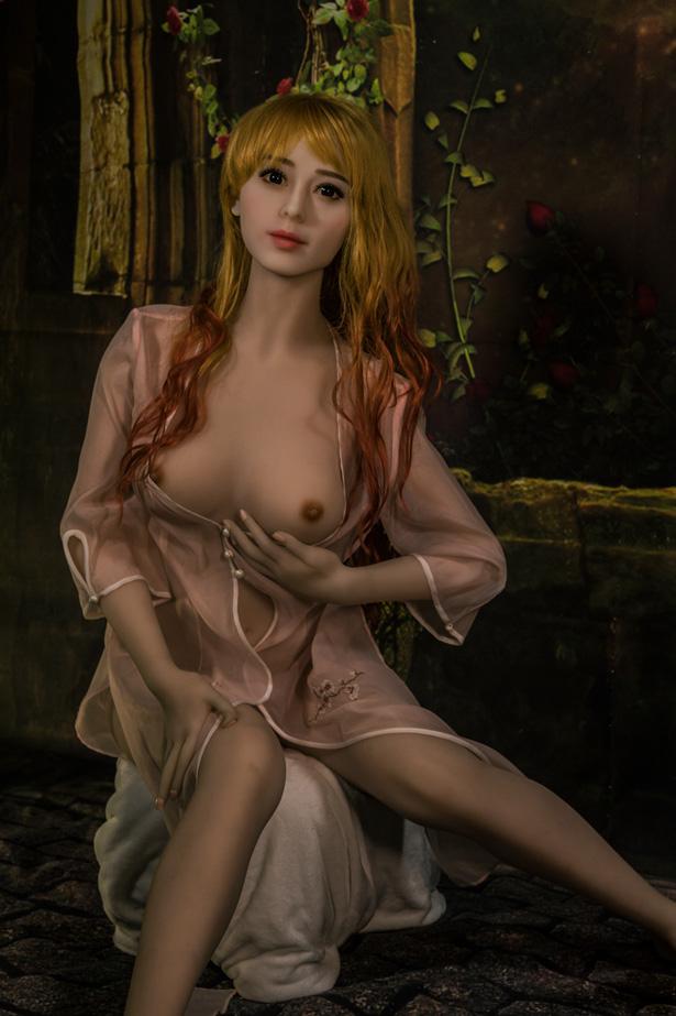 Elegante TPE Sexpuppe Claudia