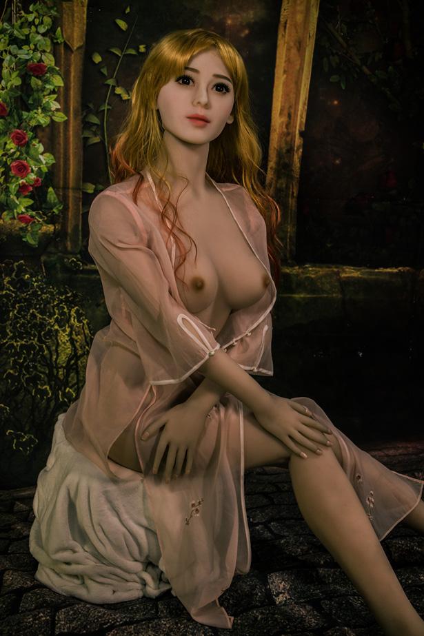 Schöne TPE Sexdoll Claudia