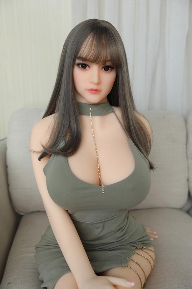Klassische japanische Liebespuppe Cosima