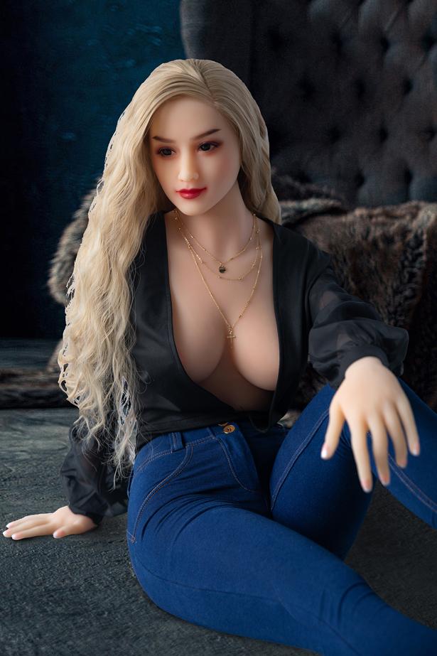 Neela Sex Puppe C-Cup