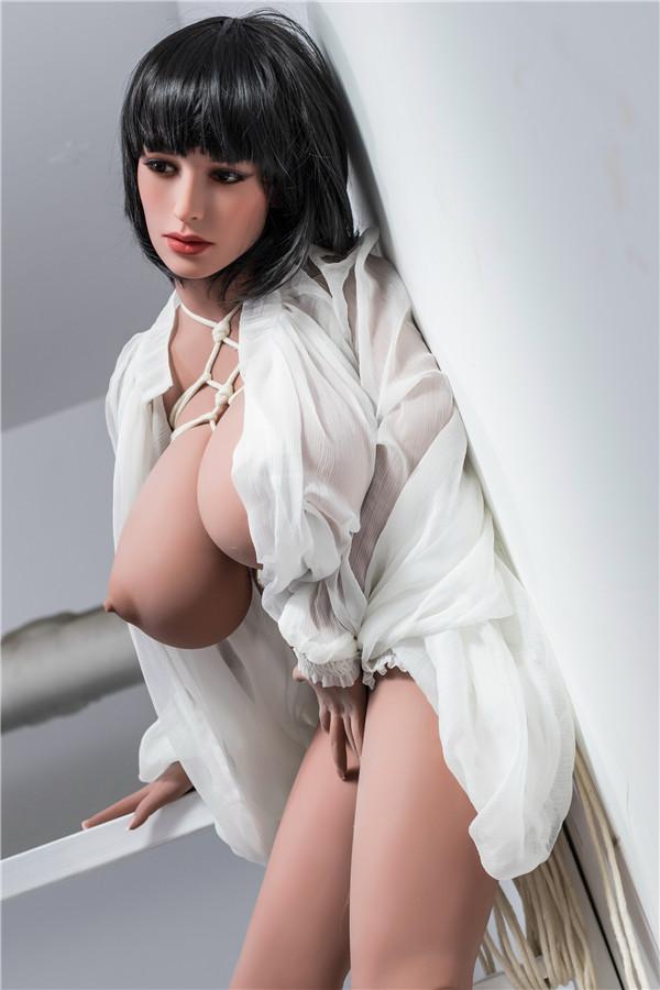 Spielen Sie gebündelte Spiele mit Sexpuppen Viktoria