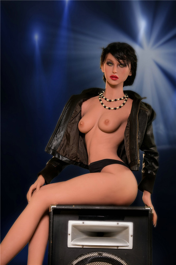 Alethea love and vibes Sexpuppen