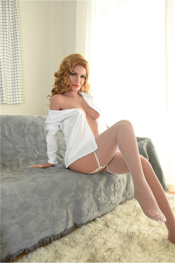 Dories-Sexy junge Frau Sexpuppe trägt weißes Hemd