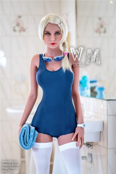 Darcey 162cm E-Cup Sexpuppen in einem blauen Badeanzug