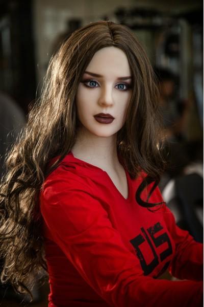 Sünje-Große Brüste Erwachsenenmodell 170cm QITA Sex Doll