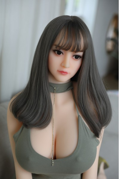 Cosima-Klassische 158cm Asiatische Liebespuppe Mesedoll