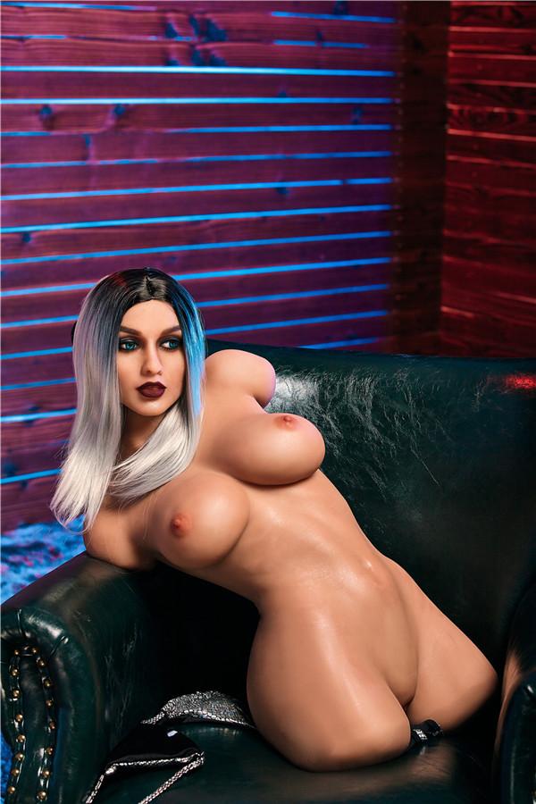Berühre die echte Sexpuppen Sabina