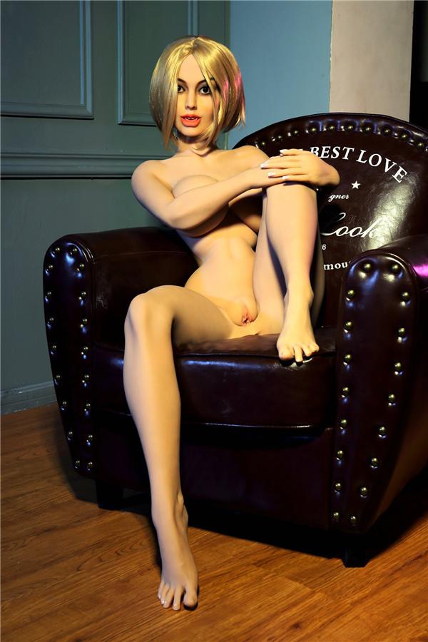 sexpuppen bilder Debby
