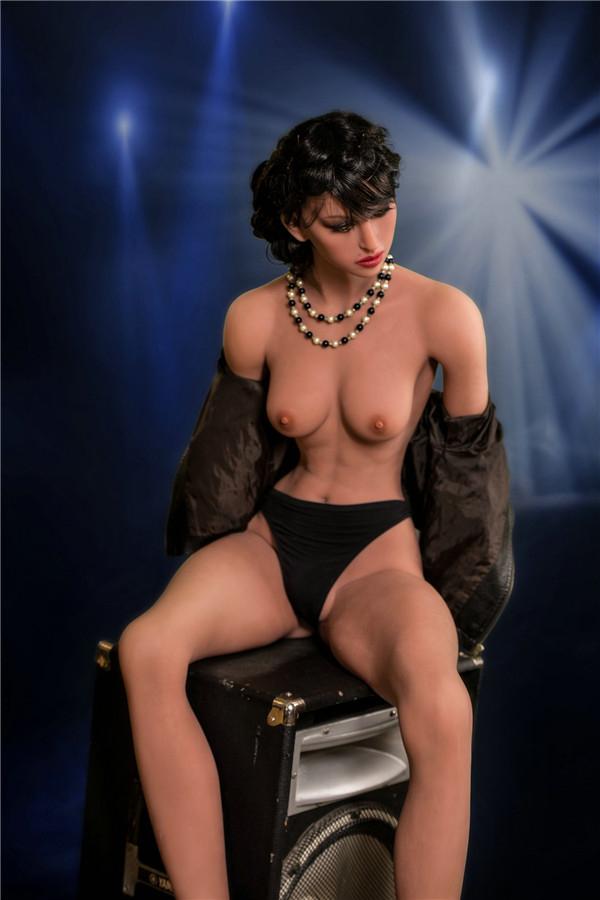 wer sucht gebrauchte Sex Doll in berlin Alethea