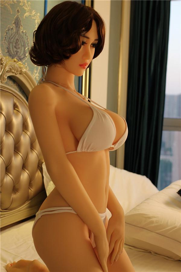 Die Sex Puppe lädt Sie ein, sich auszuziehen Wenda